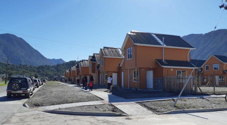 Sesenta familias reciben sus casas en Chaitén